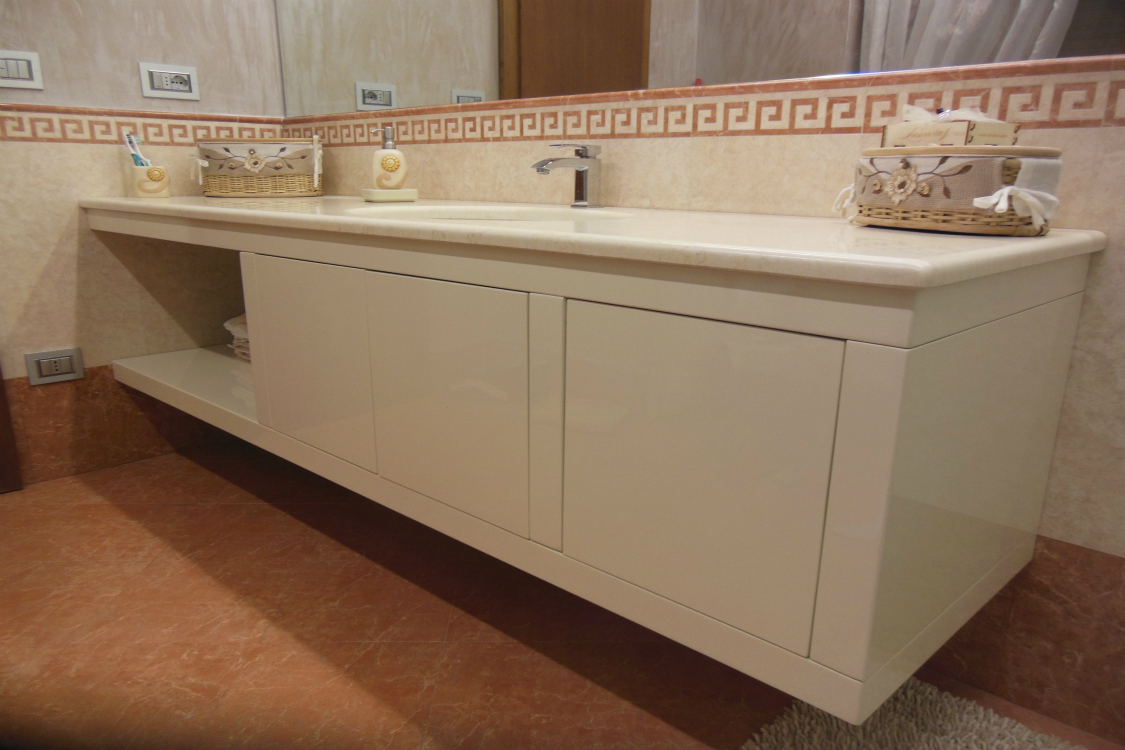 mobile bagno in legno su misura