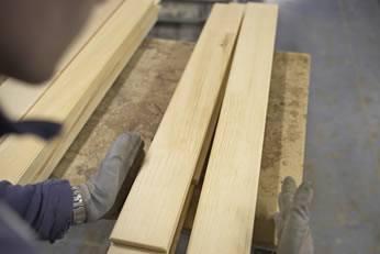 legno tagliato per realizzazione mobili