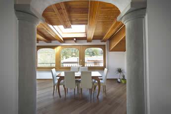 sala e abitazione in legno